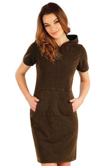 Šaty dlouhé s krátkým rukávem.