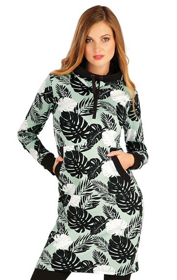 Mikinové šaty s kapucí.