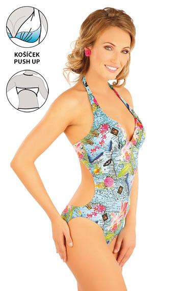 Jednodílné plavky s košíčky push-up.